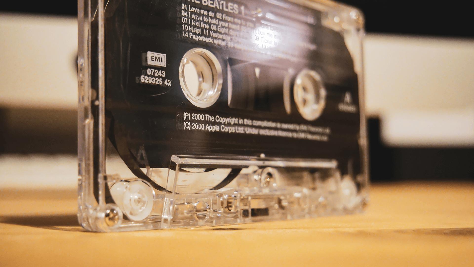 透明のカセットボディ