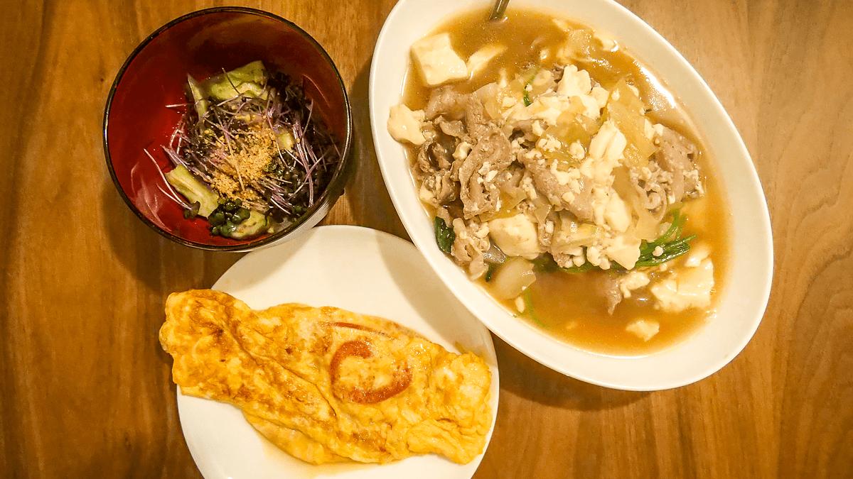 ボリューム満点!味しみ肉豆腐