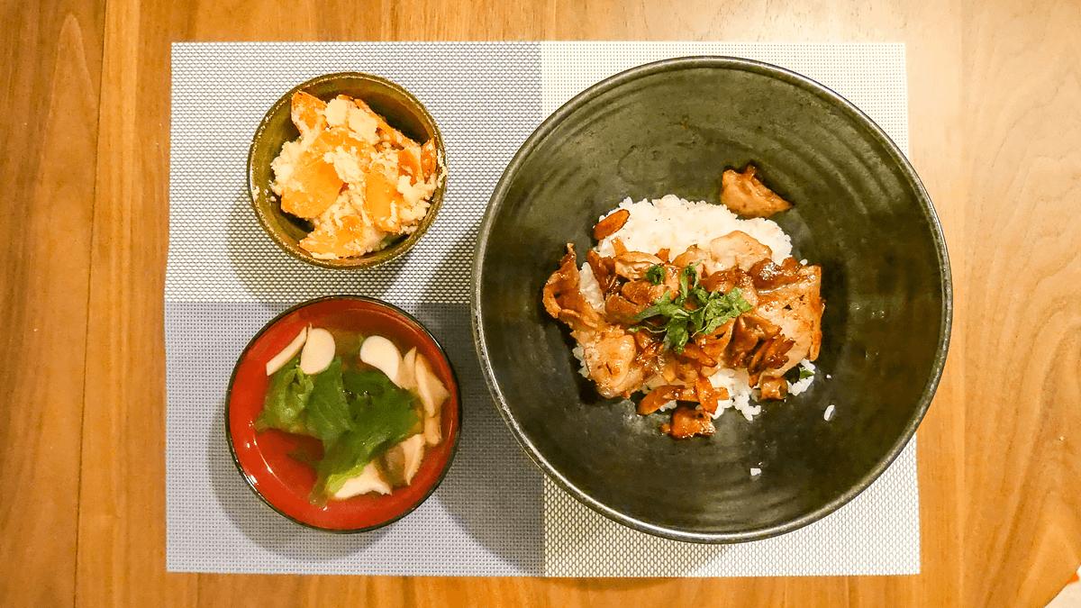 ちゃんとoisix 19周目の最終日の夕食 豚ごぼうのしぐれ煮丼