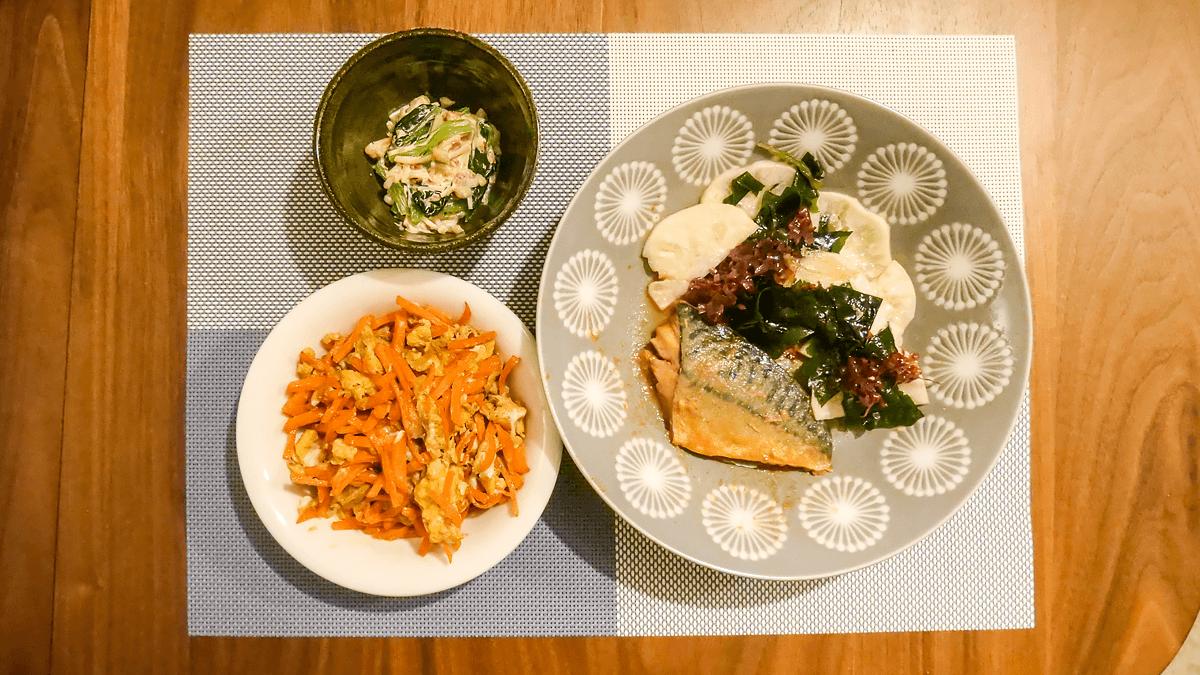 ちゃんとoisix 19周目の3日目の夕食 さっぱりサラダとさばの味噌煮