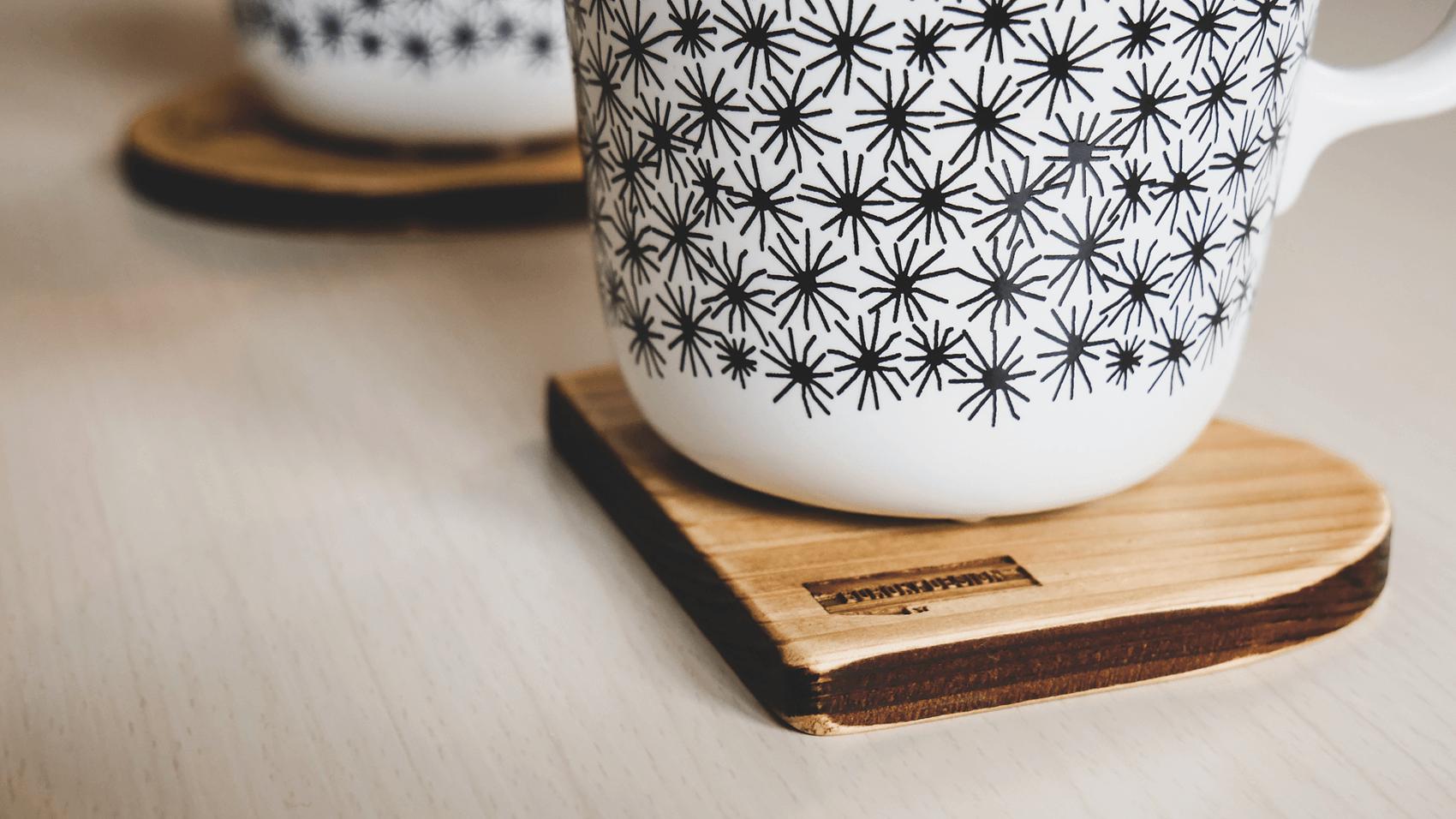 BUROKI design開業1周年を記念したオリジナル木製コースターセット