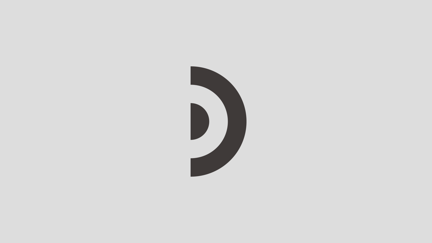 掲げて結束力を高める。制作したデザインチームのロゴデザイン