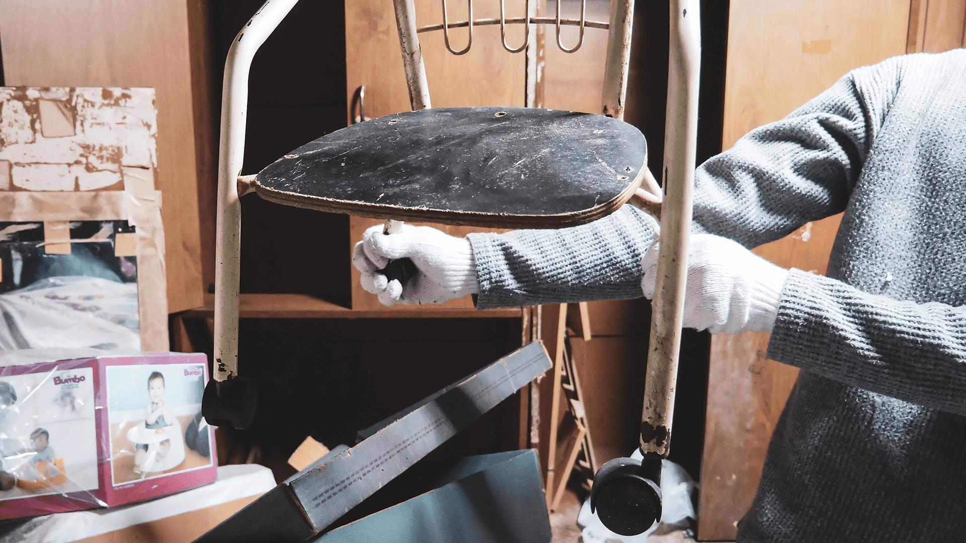 コマがついてる子供用の椅子