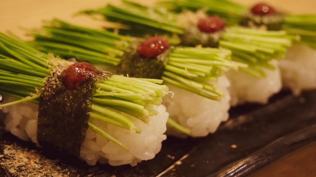 裏なんばの人気寿司店ときすしにて寿司を食す