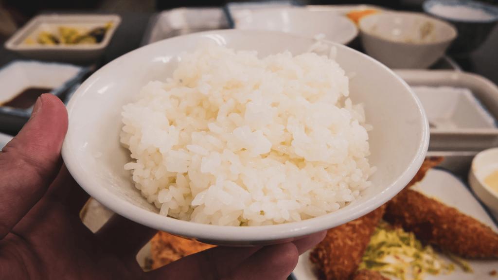 大阪一豪華な朝ごはん!?飯炊き仙人のいるお店「ゲコ亭」にて銀シャリを食す