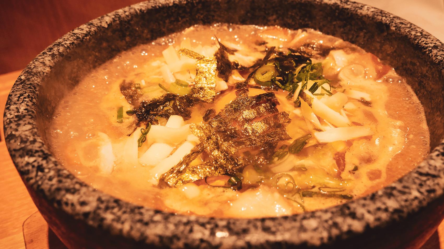 長居のカレーうどん専門店「たちばな」にて石鍋カレーうどんを食す
