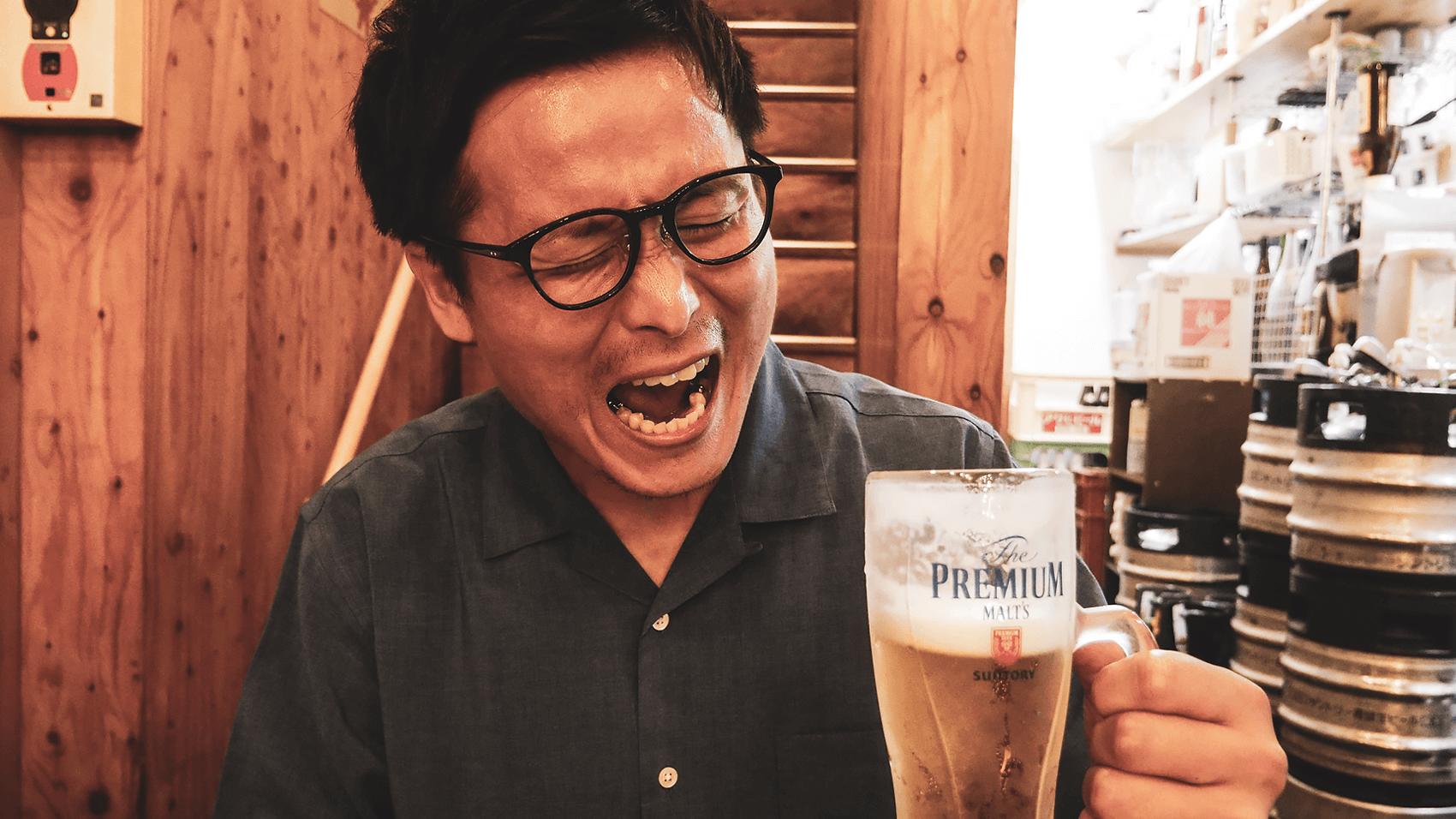 ビール飲んでるところ