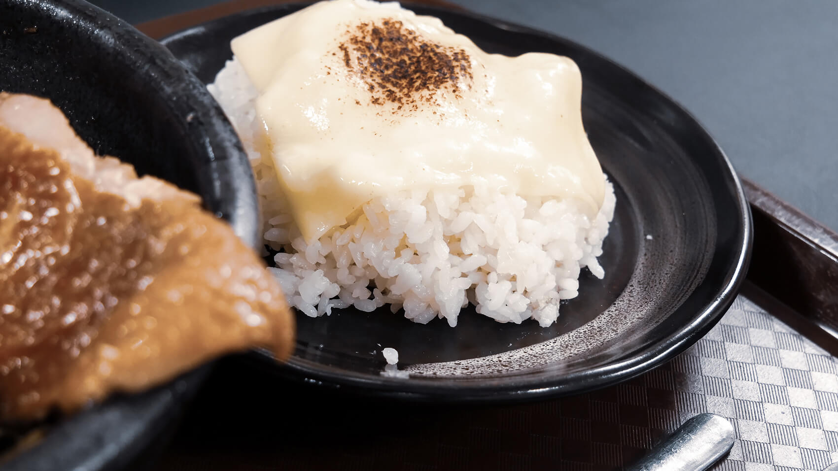トッピングの炙りチーズ