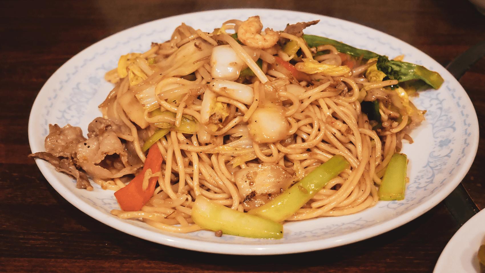 北京料理萬楽の五目ヤキソバ