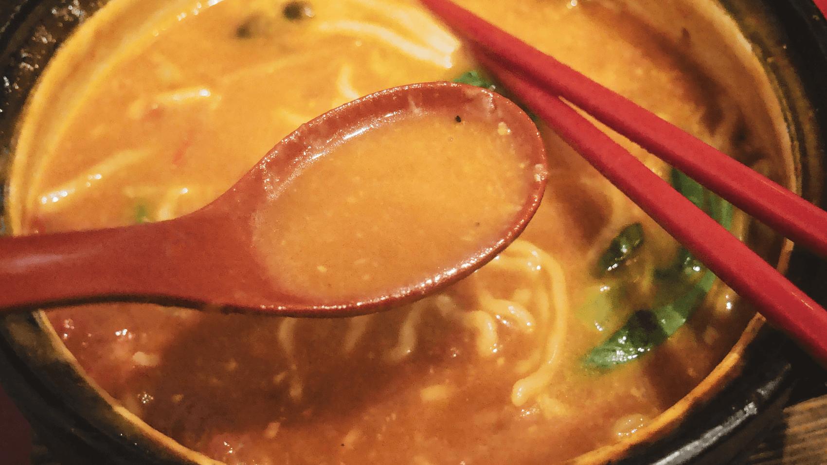 トマト鍋ラーメンのスープ