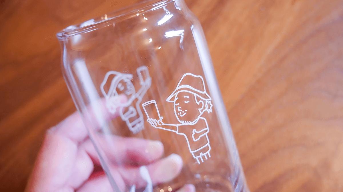 グラスに描かれたイラスト